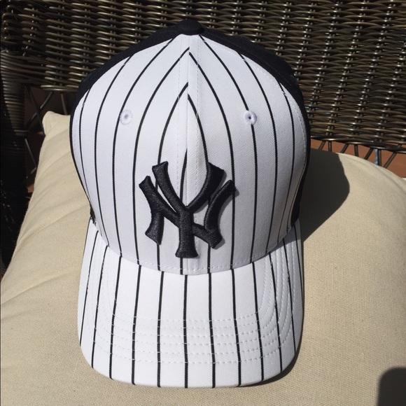Nike NY Yankee Dri Fit Baseball hat. M 5b342dd52beb798f41808cd8 6cfa57913b8